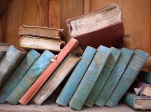 books-785894_640